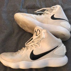 Men's basketball sneakers Nike